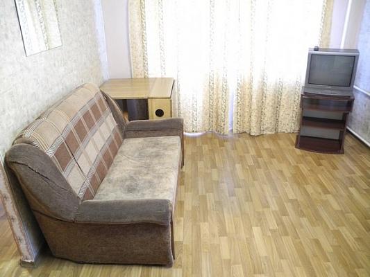 1-комнатная квартира посуточно в Донецке. Ворошиловский район, ул. Университетская, 46. Фото 1