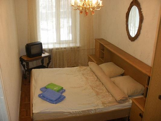 2-комнатная квартира посуточно в Киеве. Печерский район, пер. Кутузова,. Фото 1