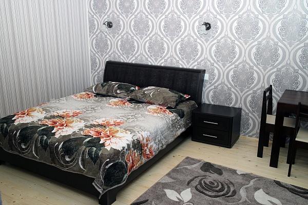 1-комнатная квартира посуточно в Львове. Лычаковский район, ул. Зелена, 43. Фото 1