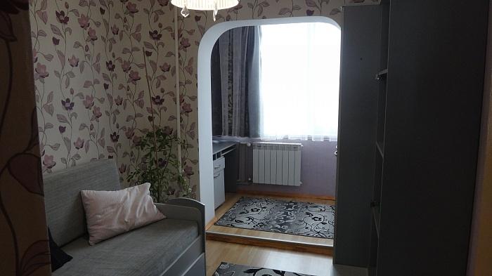 3-комнатная квартира посуточно в Ровно. ул. Льнокомбинатовская, 19. Фото 1