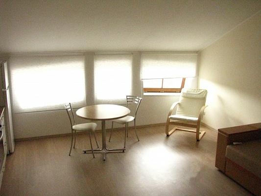 1-комнатная квартира посуточно в Одессе. Приморский район, ул. Жуковского, 10. Фото 1