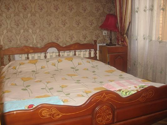2-комнатная квартира посуточно в Ровно. ул. Бандеры, 67б. Фото 1