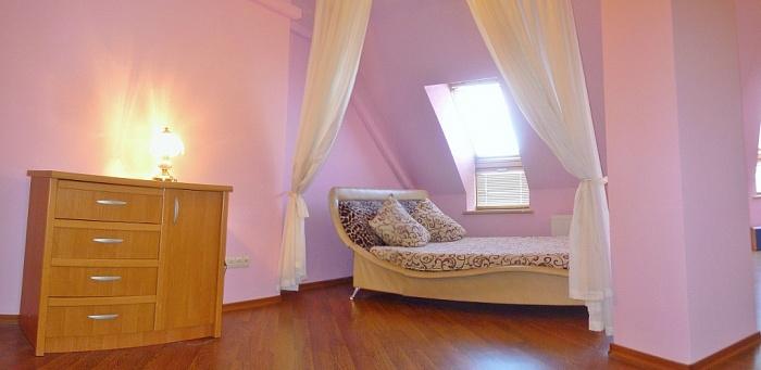 1-комнатная квартира посуточно в Одессе. Приморский район, Среднефонтанская, 19б. Фото 1
