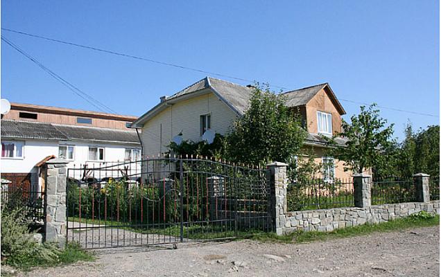 Дом  посуточно в Сколе. ул. Гайдамацкая, 78. Фото 1