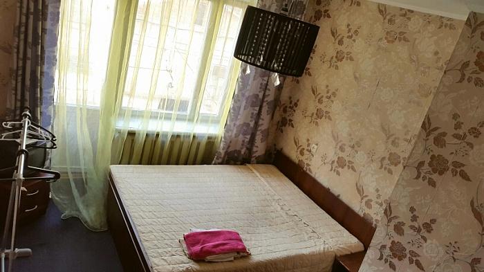 1-комнатная квартира посуточно в Ивано-Франковске. ул. Набережная, 40а. Фото 1