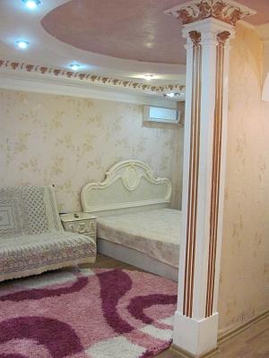 1-комнатная квартира посуточно в Мариуполе. пр-т Строителей, 113. Фото 1