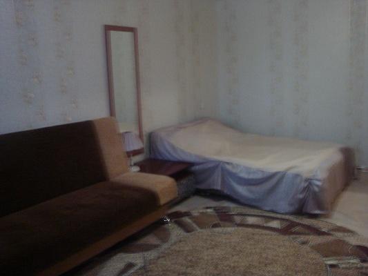 1-комнатная квартира посуточно в Севастополе. Ленинский район, Хрусталева, 69. Фото 1