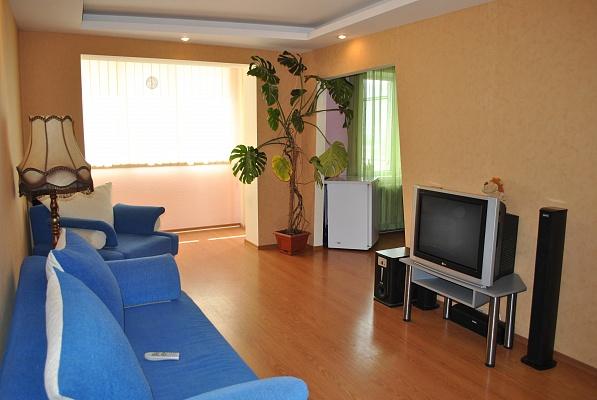 1-комнатная квартира посуточно в Керчи. Ш.Г.Сталинграда, 6. Фото 1