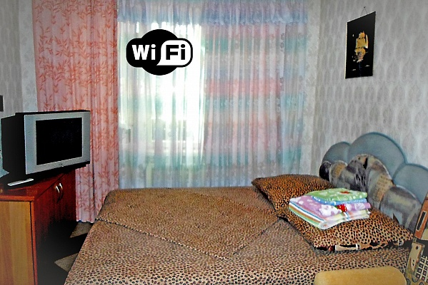 3-комнатная квартира посуточно в Днепропетровске. Красногвардейский район, пр-т Правды, 79. Фото 1
