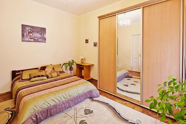 1-комнатная квартира посуточно в Львове. Лычаковский район, ул. Максима Кривоноса, 12. Фото 1