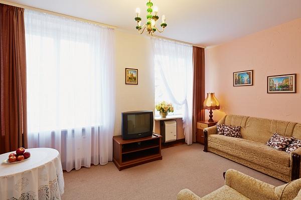 1-комнатная квартира посуточно в Львове. Галицкий район, ул. Дорошенко, 12. Фото 1