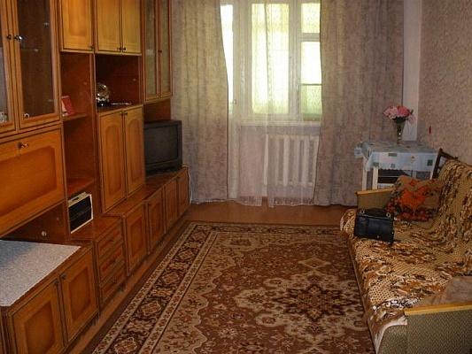 2-комнатная квартира посуточно в Севастополе. Ленинский район, ул. Острякова, 68. Фото 1