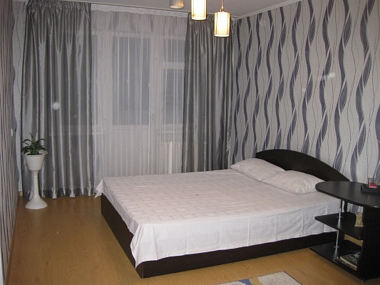 1-комнатная квартира посуточно в Черкассах. ул. Калинина, 7. Фото 1