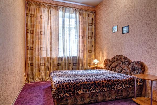 2-комнатная квартира посуточно в Кременчуге. ул. Победы, 1. Фото 1