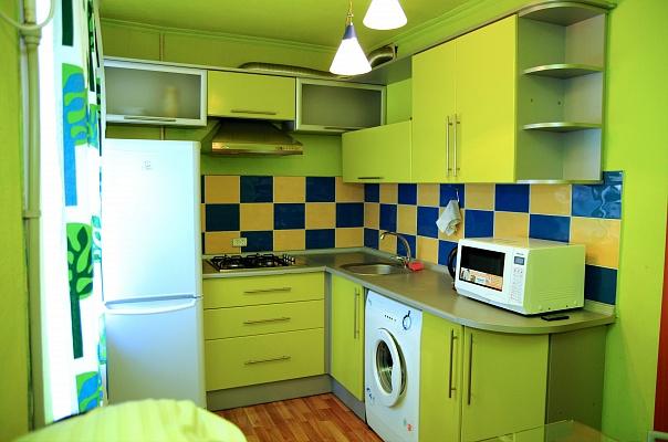 1-комнатная квартира посуточно в Донецке. Киевский район, ул. Тренева, 1а. Фото 1