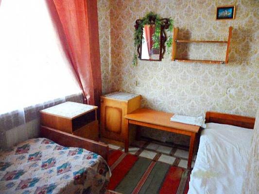Комната  посуточно в Счастливцево. ул. Сивашская. Фото 1