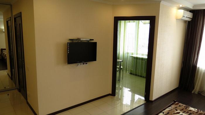 1-комнатная квартира посуточно в Севастополе. Нахимовский район, ул. Симонка, 53в. Фото 1