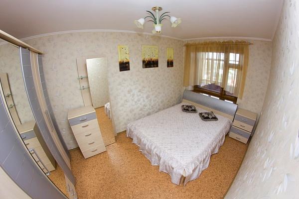 2-комнатная квартира посуточно в Николаеве. Ленинский район, пр-т Центральный (Ленина), 263. Фото 1