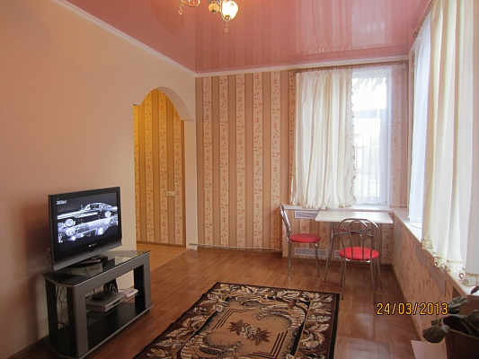 1-комнатная квартира посуточно в Симферополе. Киевский район, пр-т Кирова, 43. Фото 1