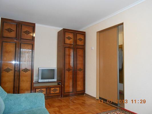 1-комнатная квартира посуточно в Евпатории. ул. Некрасова, 77. Фото 1