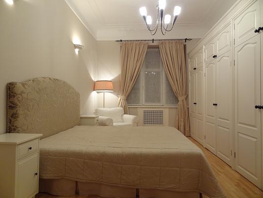 4-комнатная квартира посуточно в Киеве. Печерский район, ул. Институтская, 16. Фото 1
