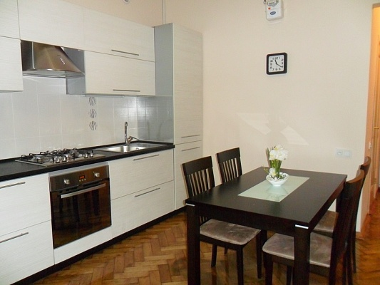 3-комнатная квартира посуточно в Одессе. Приморский район, ул. Бунина, 22. Фото 1