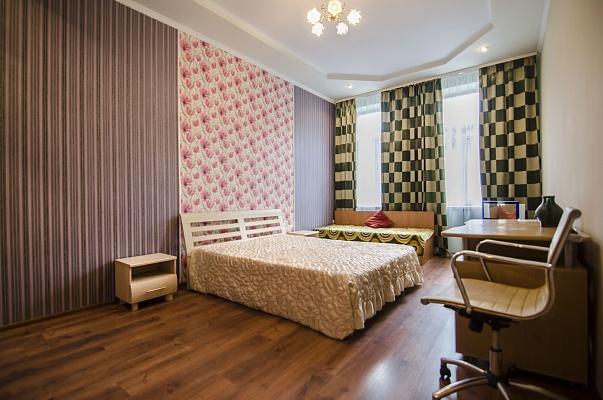 2-комнатная квартира посуточно в Львове. Галицкий район, ул. Кулиша, 27. Фото 1