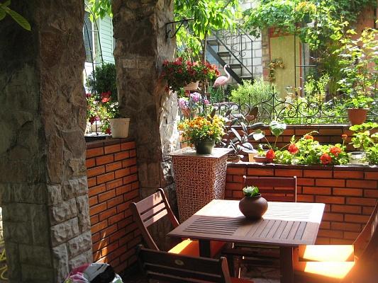 Мини-отель  посуточно в Феодосии. ул. Федько, 36. Фото 1