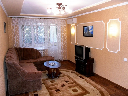 1-комнатная квартира посуточно в Донецке. Ленинский район, пр-т Ленинский, 1а. Фото 1