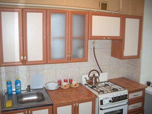 1-комнатная квартира посуточно в Мелитополе. ул. Б. Хмельницкого, 52. Фото 1