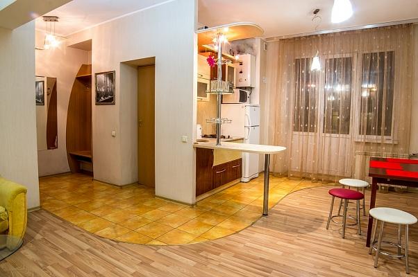 2-комнатная квартира посуточно в Харькове. Дзержинский район, ул. Данилевского, 22. Фото 1