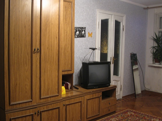 3-комнатная квартира посуточно в Одессе. Приморский район, ул. Торговая, 1б. Фото 1