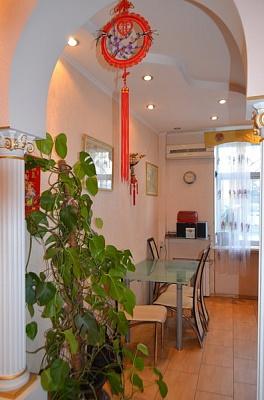 2-комнатная квартира посуточно в Одессе. Приморский район, Одесса, Одесса, александровский проспект,, 34, 34. Фото 1