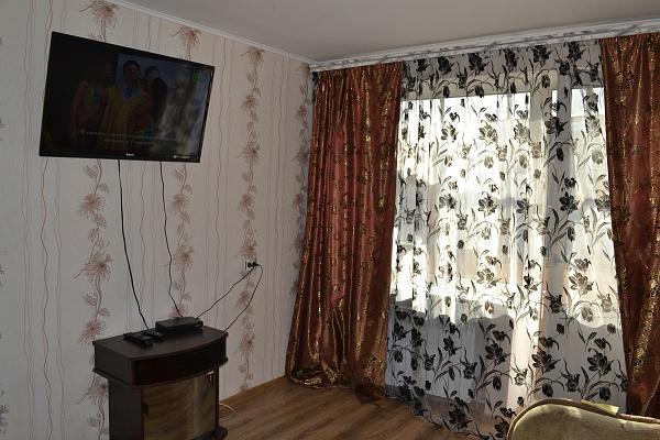 1-комнатная квартира посуточно в Кременчуге. ул. Победы, 20. Фото 1