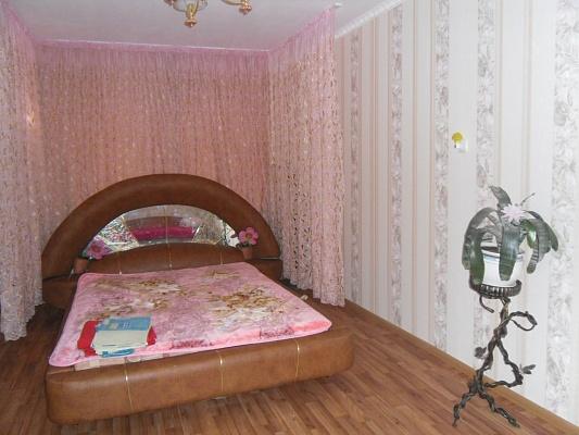 1-комнатная квартира посуточно в Мариуполе. пр-т Трамвайный, 10. Фото 1