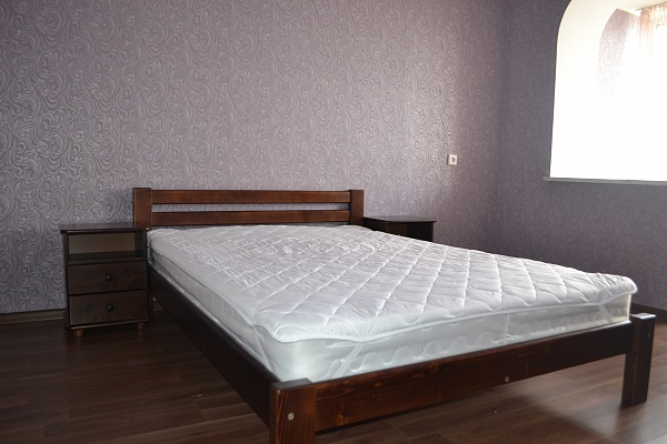 2-комнатная квартира посуточно в Киеве. Оболонский район, ул. Малиновского, 13. Фото 1