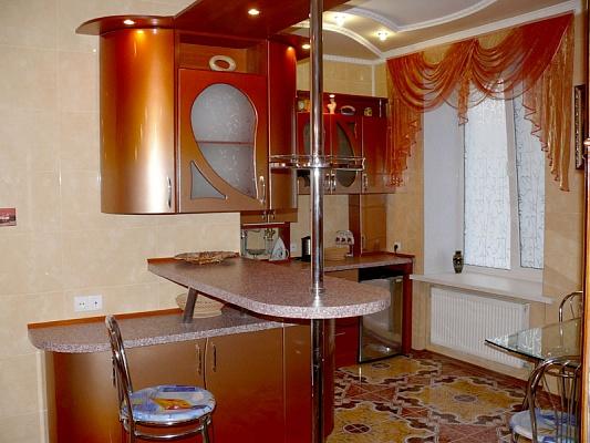 2-комнатная квартира посуточно в Херсоне. Днепровский район, пр-т Ушакова, 73. Фото 1