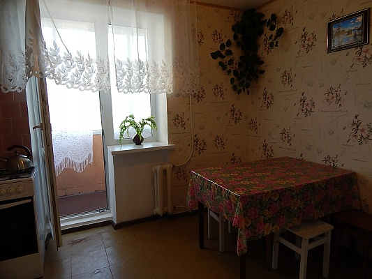 3-комнатная квартира посуточно в Феодосии. ул. Строительная, 11. Фото 1