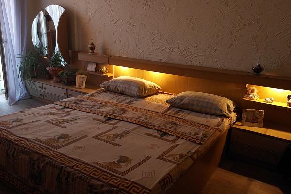 1-комнатная квартира посуточно в Луганске. Ленинский район, ул. Челюскинцев, 10. Фото 1