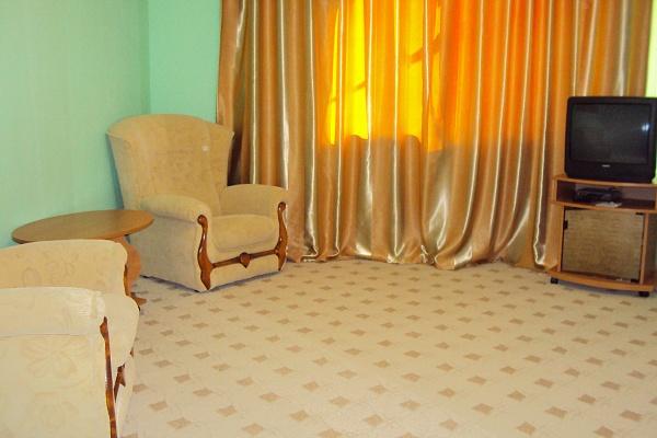 1-комнатная квартира посуточно в Феодосии. ул. Советская, 85. Фото 1