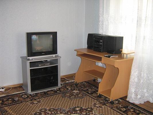 1-комнатная квартира посуточно в Донецке. Ворошиловский район, ул. Шекспира, 23. Фото 1
