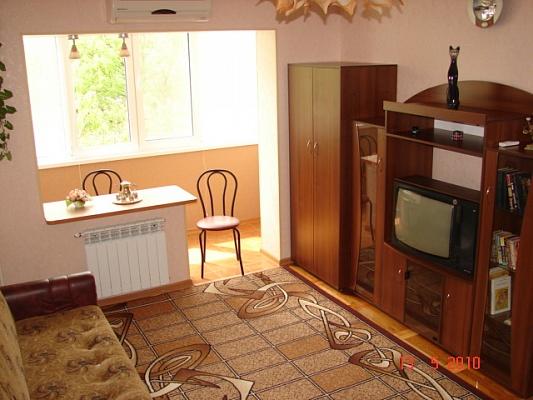 2-комнатная квартира посуточно в Бердянске. пр-т Пролетарский. Фото 1