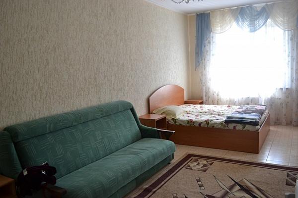1-комнатная квартира посуточно в Симферополе. Киевский район, пр-т Победы, 288. Фото 1
