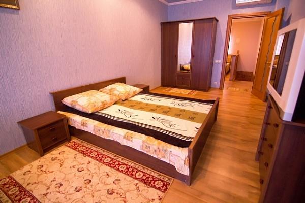 3-комнатная квартира посуточно в Феодосии. Черноморская набережная , 42. Фото 1