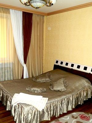 1-комнатная квартира посуточно в Луцке. ул. Зацепи, 3д. Фото 1