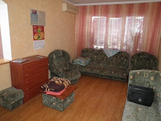 1-комнатная квартира посуточно в Алуште. ул. Таврическая, 3. Фото 1