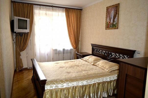 2-комнатная квартира посуточно в Моршине. ул. 50-летия УПА, 14. Фото 1