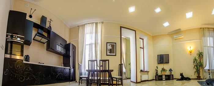 3-комнатная квартира посуточно в Одессе. Приморский район, ул. Екатерининская, 25. Фото 1