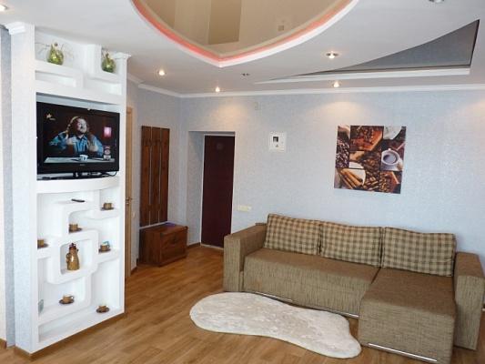 1-комнатная квартира посуточно в Черкассах. Розы Люксембург, 13. Фото 1