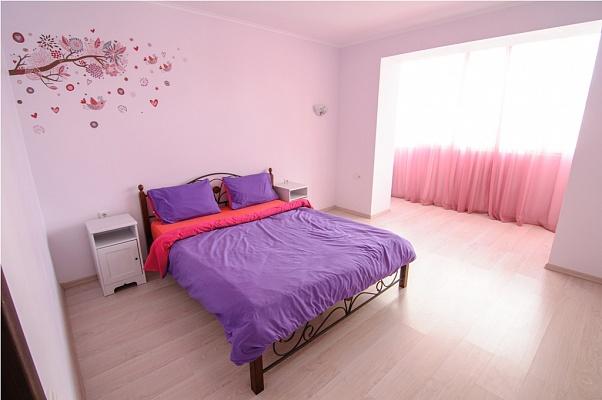2-комнатная квартира посуточно в Ивано-Франковске. б-р Северный, 5Б. Фото 1
